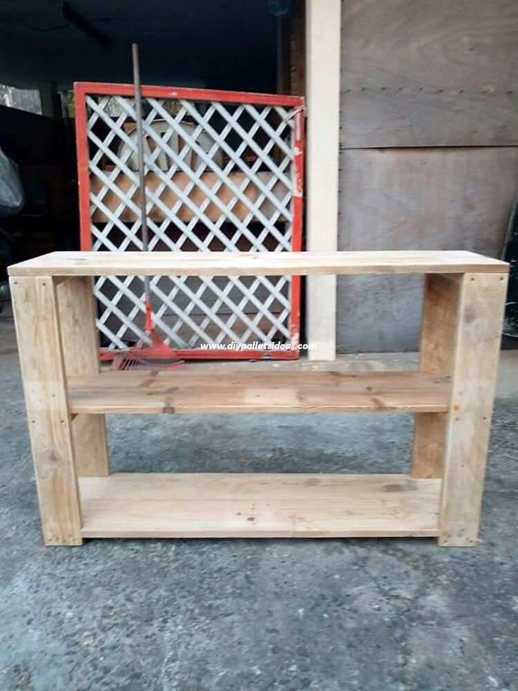 Old Pallet Shelving Table