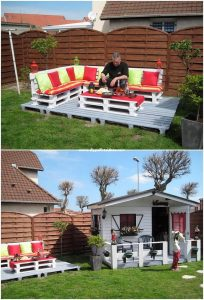 Pallet Outdoor Couch with Garden Terrace