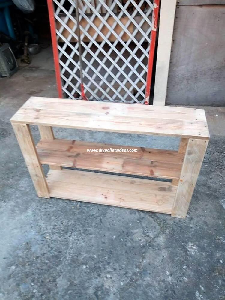 Recycled Pallet Shelving Table