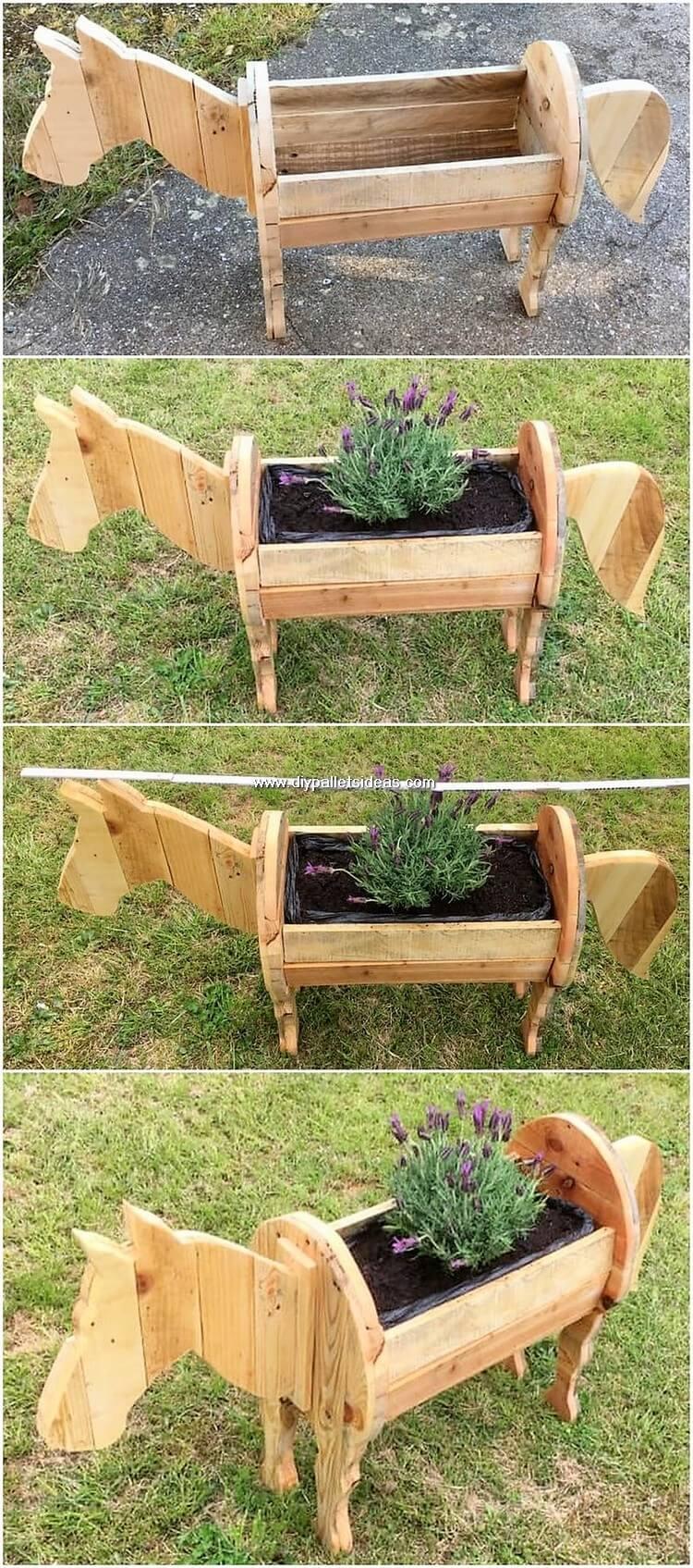 Pallet Horse Planter