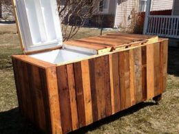 Surprising Projects Made with Shipping Pallets