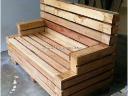 30 Easy and Cheap DIY Projects Made with Old Pallets